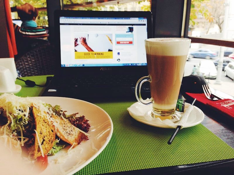werken-in-het-cafe