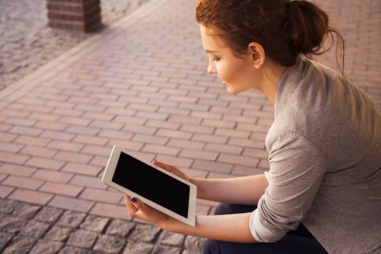 Hoe blijf je zelfkritisch zonder collega's die meelezen?